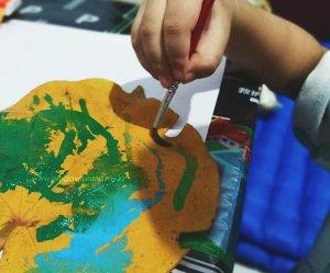 Read more about the article Manfaat dan Tips Mengenalkan Anak Pada Dunia Seni